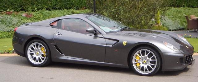 Grå Ferrari 599 GTB