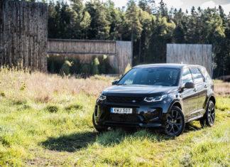 Land Rover Discovery Sport P300e framifrån